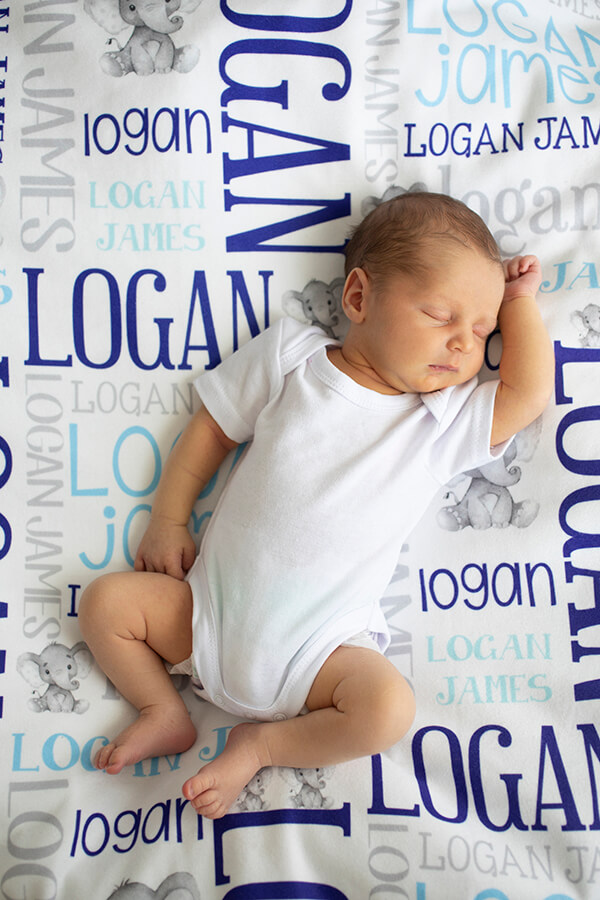natural newborn photography by Townsville photographer Megan Marano of Insight Creative